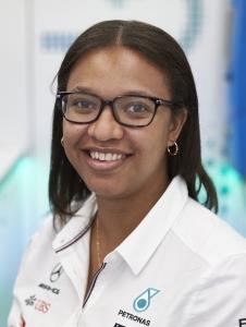 Stephanie Travers, inżynier ds. płynów przytorowych  w PETRONAS