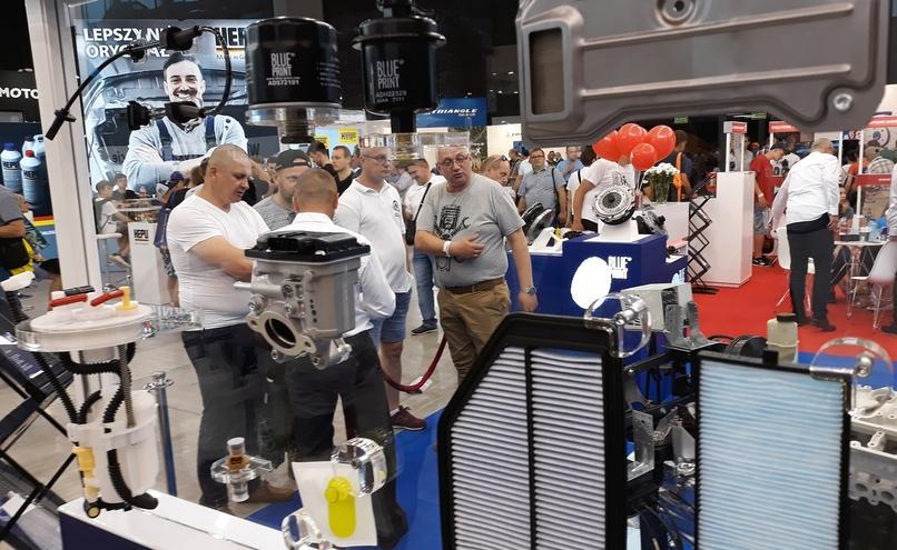 carousel-image-83-http://cms.autoexpert.pl/media/cache/hitbox/media/galerie/profi_auto_show2019/ekr-20190608_135923.jpg
