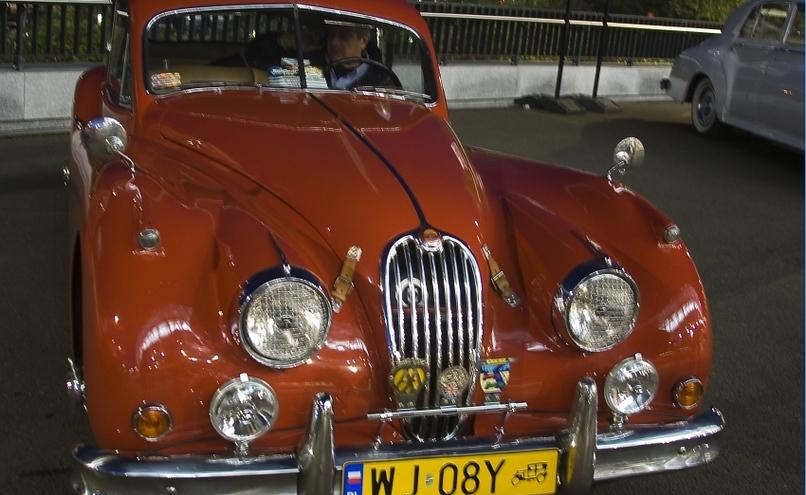 carousel-image-24-http://cms.autoexpert.pl/media/cache/hitbox/media/galerie/top_gear_live2013verva_street_racing/top_gear_live_orlen_verva_warszawa_2013_0011_850pix.jpg