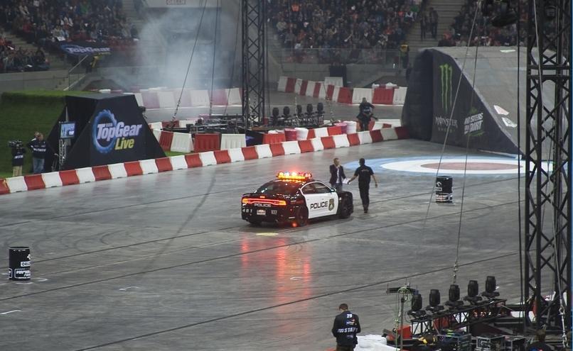 carousel-image-31-http://cms.autoexpert.pl/media/cache/hitbox/media/galerie/top_gear_live2013verva_street_racing/top_gear_live_orlen_verva_warszawa_2013_0022_850pix.jpg