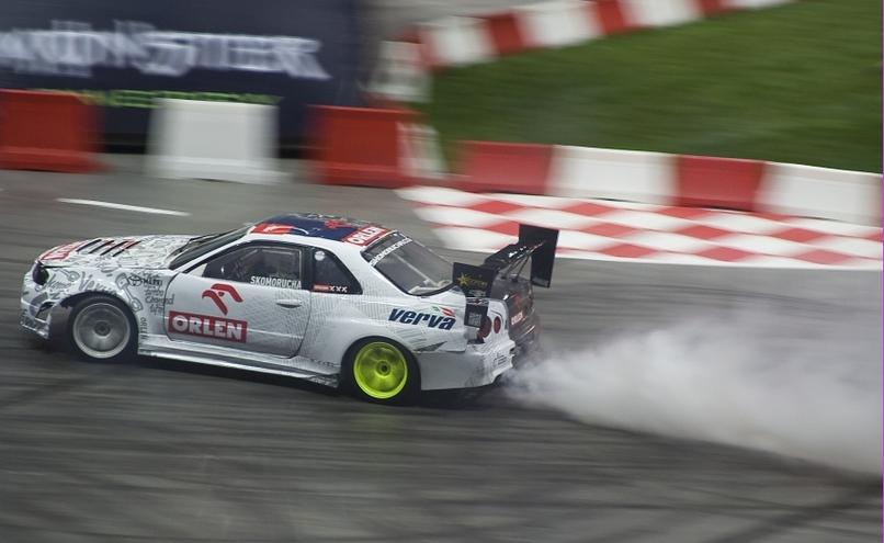 carousel-image-40-http://cms.autoexpert.pl/media/cache/hitbox/media/galerie/top_gear_live2013verva_street_racing/top_gear_live_orlen_verva_warszawa_2013_0038_850pix.jpg