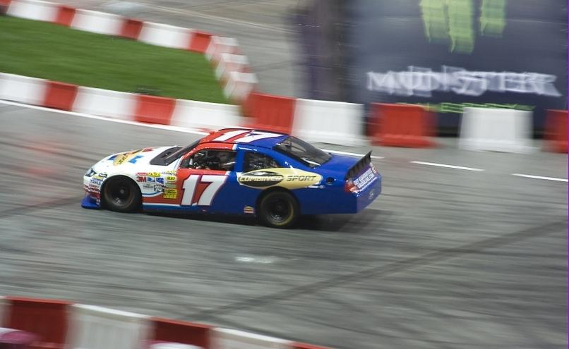 carousel-image-41-http://cms.autoexpert.pl/media/cache/hitbox/media/galerie/top_gear_live2013verva_street_racing/top_gear_live_orlen_verva_warszawa_2013_0039_850pix.jpg