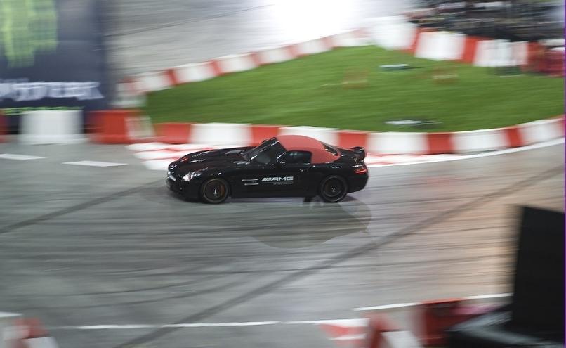 carousel-image-45-http://cms.autoexpert.pl/media/cache/hitbox/media/galerie/top_gear_live2013verva_street_racing/top_gear_live_orlen_verva_warszawa_2013_0043_850pix.jpg