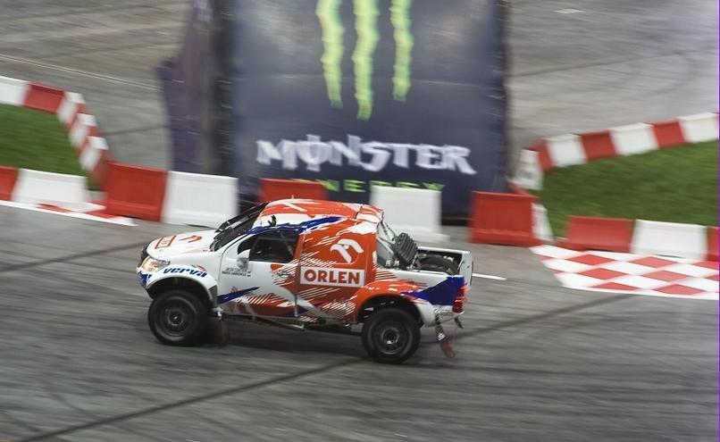 carousel-image-47-http://cms.autoexpert.pl/media/cache/hitbox/media/galerie/top_gear_live2013verva_street_racing/top_gear_live_orlen_verva_warszawa_2013_0045_850pix.jpg