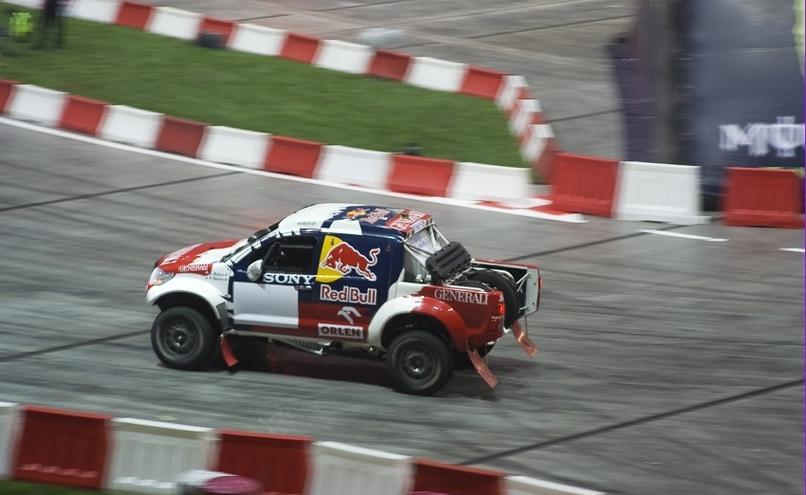 carousel-image-48-http://cms.autoexpert.pl/media/cache/hitbox/media/galerie/top_gear_live2013verva_street_racing/top_gear_live_orlen_verva_warszawa_2013_0046_850pix.jpg