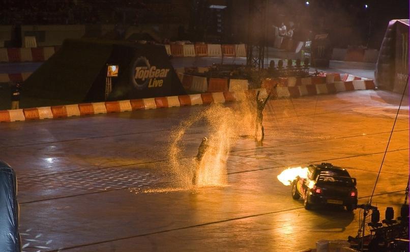 carousel-image-53-http://cms.autoexpert.pl/media/cache/hitbox/media/galerie/top_gear_live2013verva_street_racing/top_gear_live_orlen_verva_warszawa_2013_0057_850pix.jpg