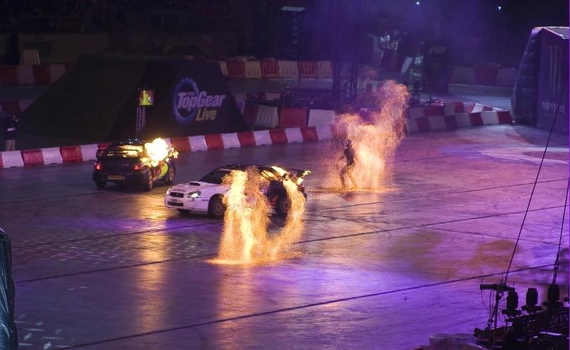 carousel-image-54-http://cms.autoexpert.pl/media/cache/hitbox/media/galerie/top_gear_live2013verva_street_racing/top_gear_live_orlen_verva_warszawa_2013_0058_850pix.jpg