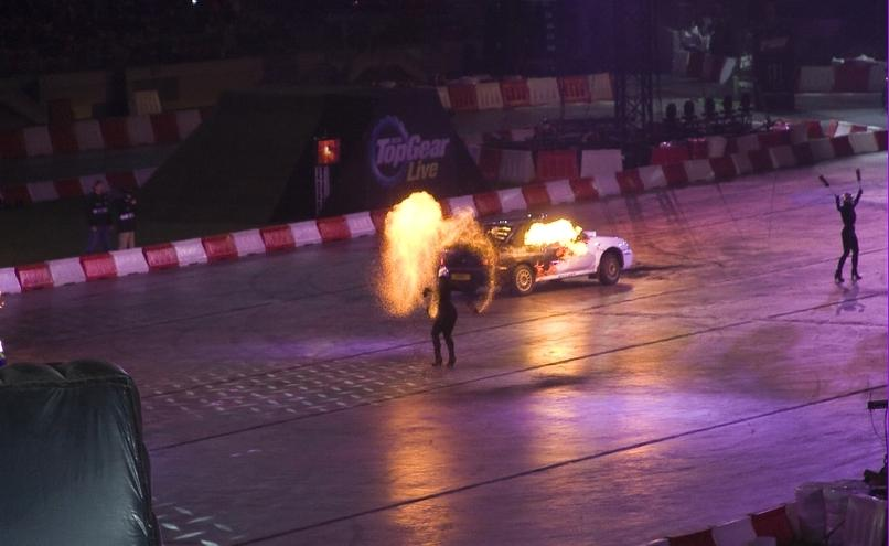 carousel-image-58-http://cms.autoexpert.pl/media/cache/hitbox/media/galerie/top_gear_live2013verva_street_racing/top_gear_live_orlen_verva_warszawa_2013_0062_850pix.jpg