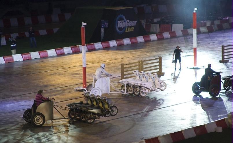 carousel-image-63-http://cms.autoexpert.pl/media/cache/hitbox/media/galerie/top_gear_live2013verva_street_racing/top_gear_live_orlen_verva_warszawa_2013_0069_850pix.jpg