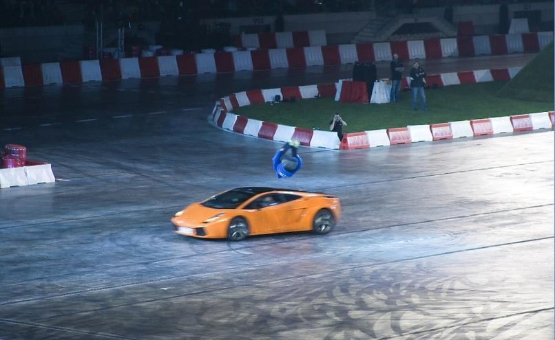 carousel-image-3-http://cms.autoexpert.pl/media/cache/hitbox/media/galerie/top_gear_live2013verva_street_racing/top_gear_live_orlen_verva_warszawa_2013_0089_850pix.jpg