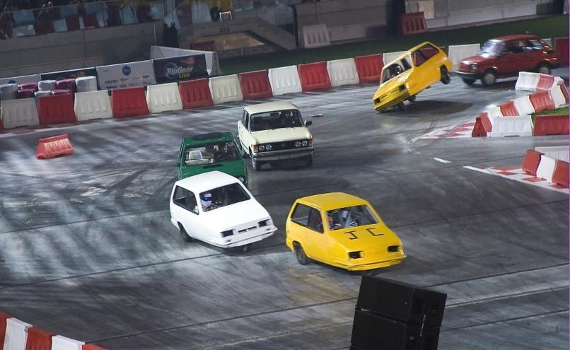 carousel-image-9-http://cms.autoexpert.pl/media/cache/hitbox/media/galerie/top_gear_live2013verva_street_racing/top_gear_live_orlen_verva_warszawa_2013_0095_850pix.jpg