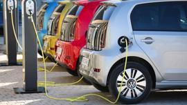 Czy Polacy chcą dopłat do aut elektrycznych?