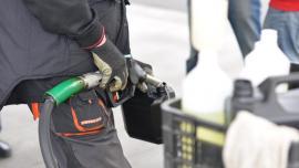 Polacy kupują coraz więcej paliwa. Niestety korzysta na tym szara strefa