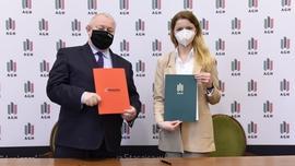 AGH oraz PZL Sędziszów podpisały list intencyjny ws. rozwoju technologii fotowoltaicznej