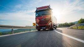 10 pytań na temat predykcyjnego tempomatu Mercedes-Benz Trucks