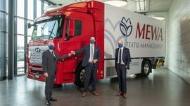 Przyszłość na czterech kołach – pierwsza ciężarówka z napędem wodorowym w branży tekstylnej jeździ dla firmy MEWA