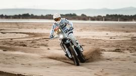 Philips rozjaśnia trasę 43. Rajdu Dakar
